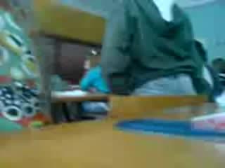Пашу дрючат на уроке русского языка!!