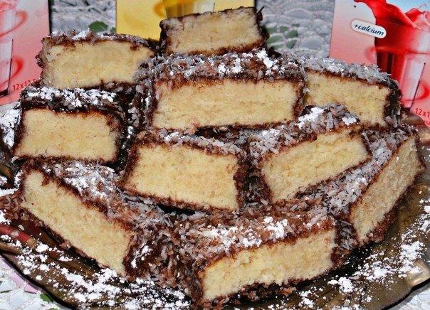 Очень вкусное, нежное, кокосовое,мягкое и тающее во рту пирожное. В то же время очень простое и быстрое в приготовлении!