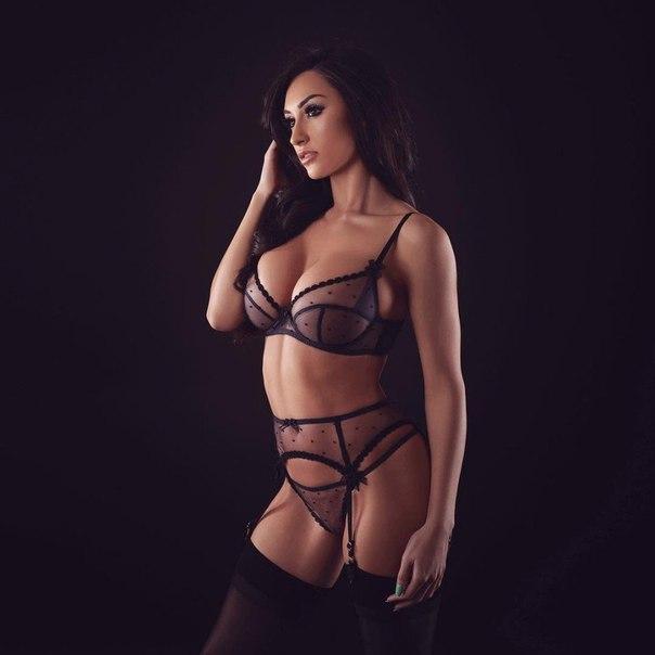 Courtney kivano nude pics