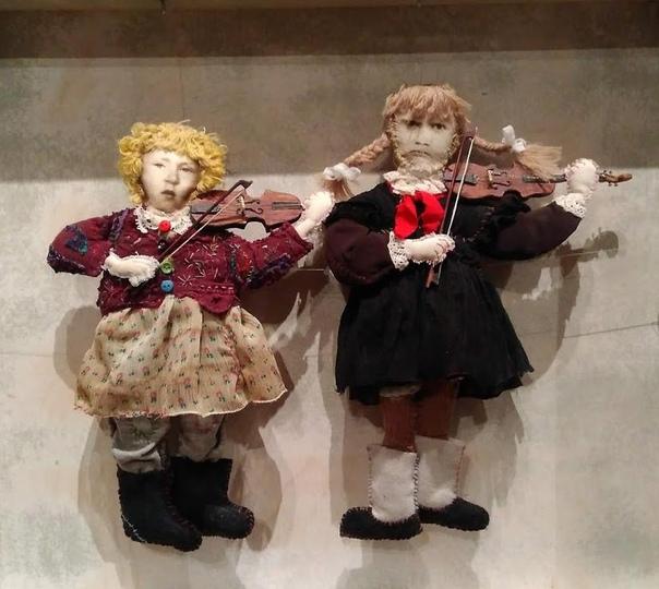 А, вот, что я увидела у Марии Бабуровой и мне показалось это ооочень интересным!!!... ...20 декабря в Музее декоративно-прикладного искусства открылась прекрасная выставка из разряда вы должны