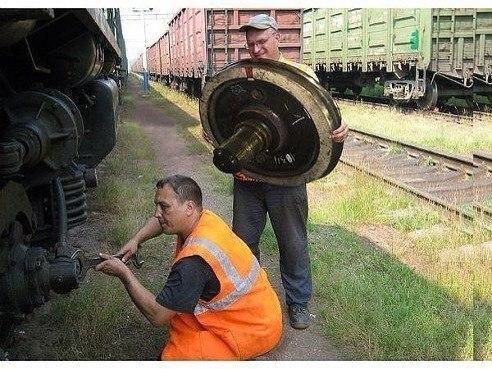 Грузовой поезд сошел с рельсов под Мариуполем - Цензор.НЕТ 553