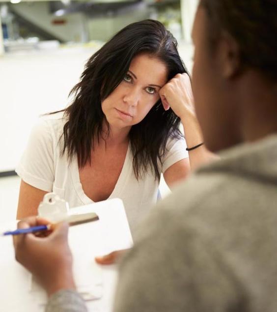 Лечение от злоупотребления героином обычно включает детоксикацию и консультирование