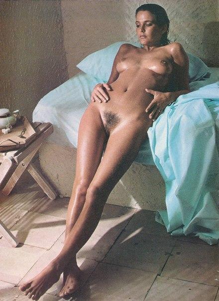 Curvy girl naked mirror shots