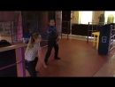 Мальчики девочки танцуют 🤩
