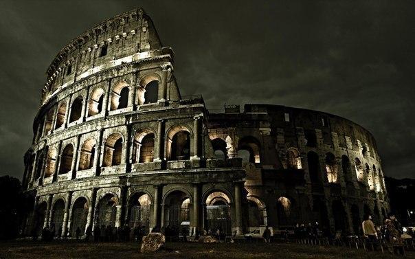 Ночной Колизей, Рим, Италия