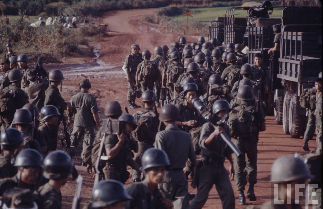 guerre du vietnam - Page 2 _mkmExM2404