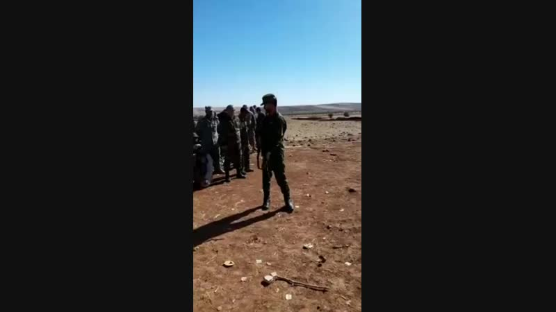 Командующий Tiger Forces Бригадный генерал Сухаил Аль-Хасан Аль Нимр дает уроки бойцам