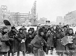 Двести дней и ночей обороны Сталинграда были самыми...  Сердечно поздравляем вас со знаменательной датой...