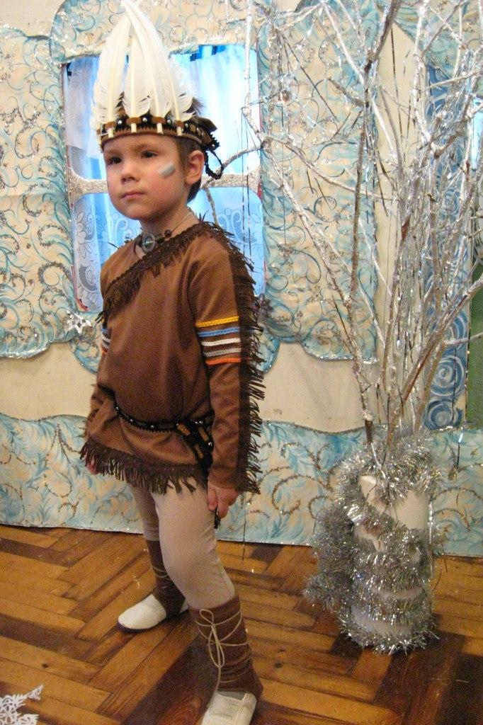 Как сделать костюм индейца своими руками из подручных материалов 98