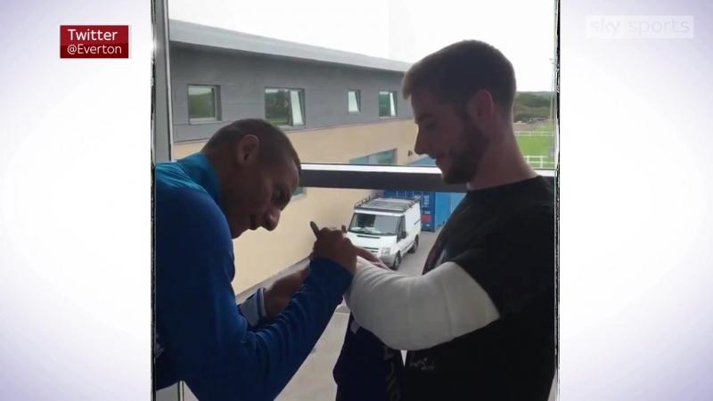 Richarlison meets injured fan