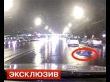 Наезд военного автобуса на девушку в центре Москвы попал на видео   - Первый по срочным новостям — LIFE | NEWS