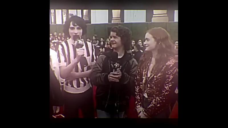 Finn Wolfhard Millie Bobby Brown vine