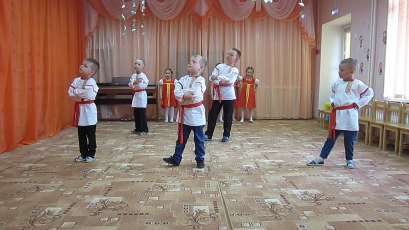 Внучек танцует Валенки
