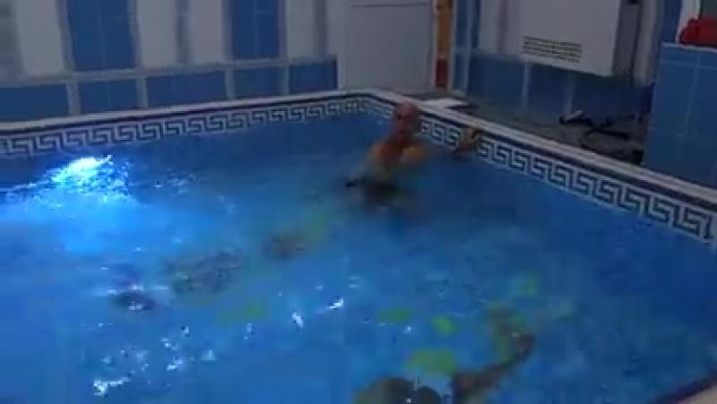 Плавание.Урок 8- й.Эстафеты детям . ( 240 X 426 ).mp4