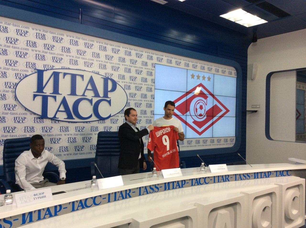 Полузащитники Роман Широков и Квинси Промес представлены в качестве футболистов «Спартака»