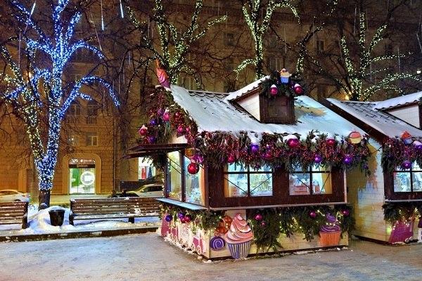 На площади у кинотеатра «Ленинград» на Новопесчаной изготовят ночные светильники