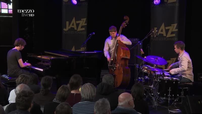 GoGo Penguin Jazz sous les Pommiers Full Concert 2015
