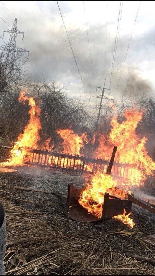 Школотроны нечаянно спалили дачу🔥 Видимо прогуливали ОБЖ