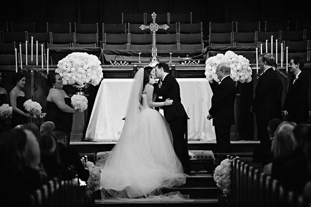 fm2MBs7eyww - Изумительная свадьба в стиле Гламур (25 фото)