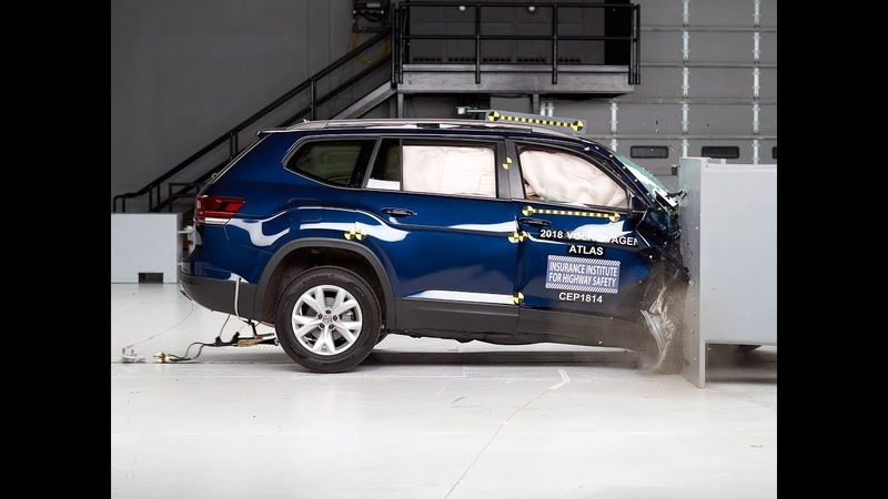 2018 Volkswagen Atlas passenger side small overlap IIHS crash test