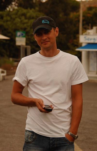 Артем Каляшин