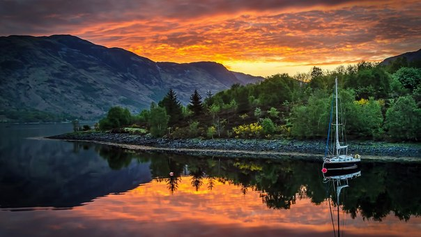 Пресноводное озеро Лох-Левен, Шотландия