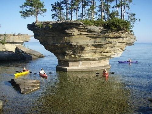 Удивительная скала озера Гурон