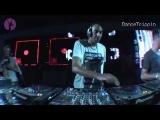 Kurd Maverick - Blue Monday (Vandalism Remix) [played by Smash HiFi]