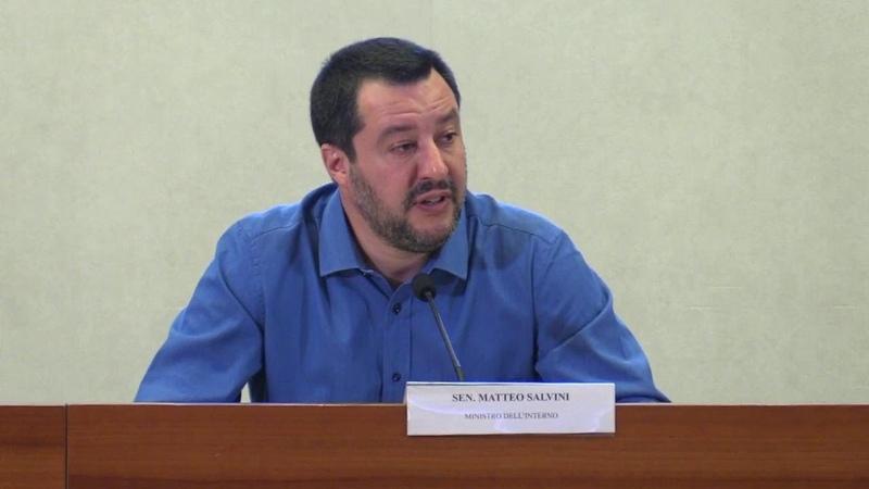 Migranti, Salvini: Ho le prove di contatti tra le Ong e i trafficanti