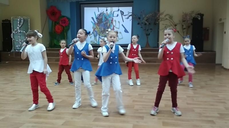 группа Апельсин 2 вокально хореографической студии Звукоград в ДТЮ