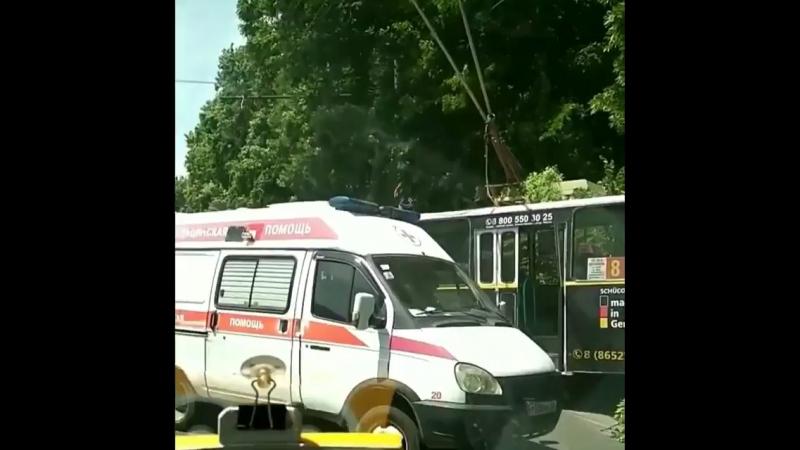 Пассажир ударил женщину-водителя троллейбуса и спровоцировал ДТП в Ставрополе