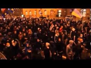 Марш бандеровцев УПА: москалей на ножи!