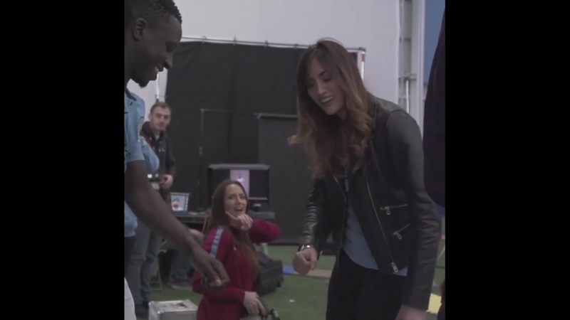 Kelly_o_donnellSLO-MO FLOSS VIBES w benmendy23 newkit mancity champions fresh ps, I totally can't dance
