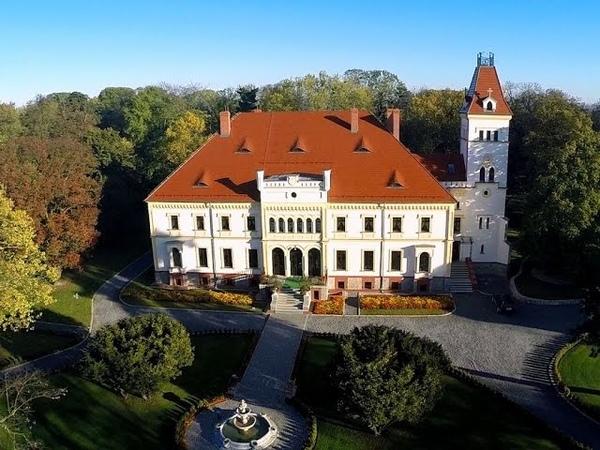 Pałac w Borku Strzelińskim z lotu ptaka