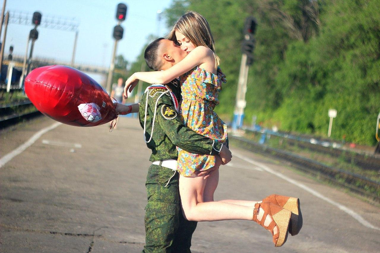 Сестра встречает брата с армии 6 фотография