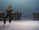 V-s.mobiАнсамбль Игоря Моисеева, Матросский танец Яблочко, 1982 г. . Moiseyev Ballet.mp4