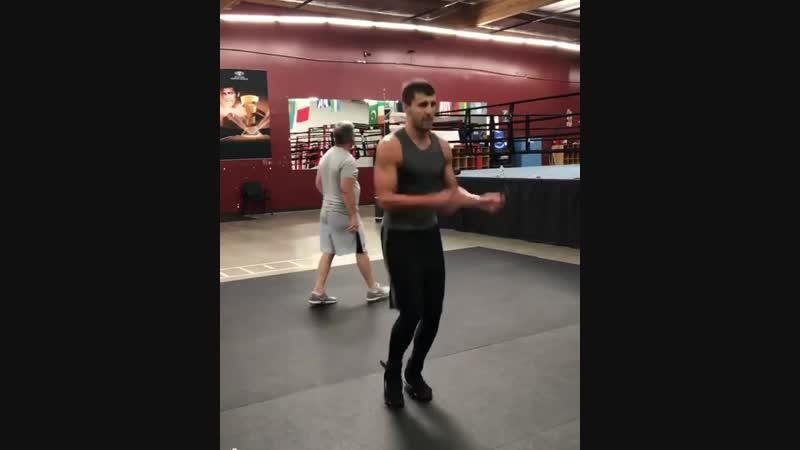 Alex gvozdyk WarmUp boxinglaboratory