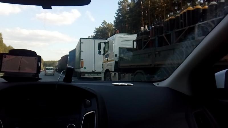 Авария с КАМАЗом и пассажирским автобусом на ЕКАДе
