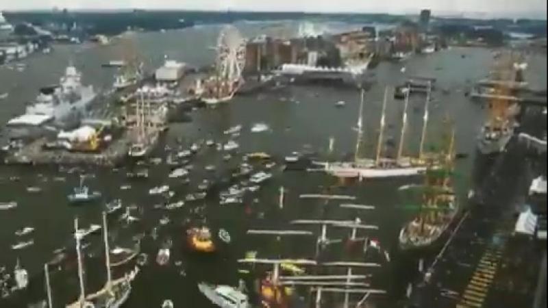 В час пик в порту Амстердама