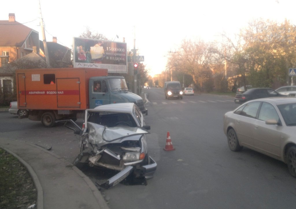 Снова ДТП в Ростове с участием маршрутки