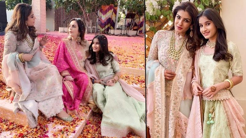 Raveena Tandon Her Daughter Looking So Beautiful At Isha Ambani Wedding Bash