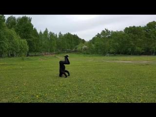 Выход из треножника в ворона (бакасана).mp4