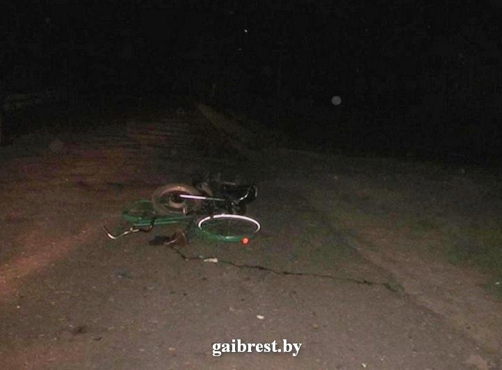 16-летний мотоциклист бесправник совершил наезд на пенсионерку-велосипедистку