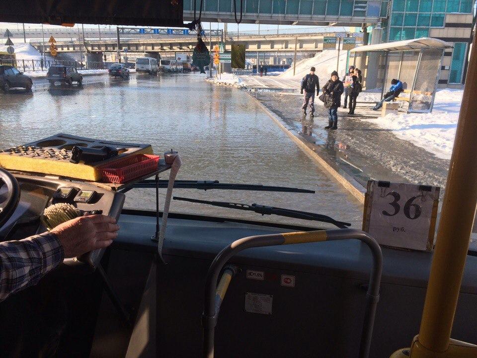 Пулковское шоссе в северной столице ушло под воду