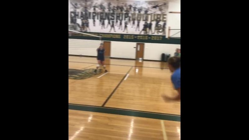 Девочки и волейбол