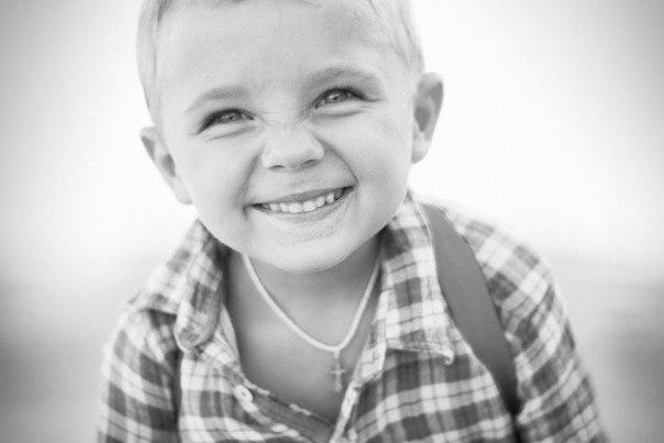 Ребёнок, окружённый критикой – учится обвинять; Ребёнок, окружённый насмешками – учится быть недоверчивым; Ребёнок, окружённый враждебностью – учится видеть врагов; Ребёнок, окружённый злостью – учится причинять боль; Ребёнок, окружённый непониманием – учится не слышать других; Ребёнок, окружённый обманом – учится врать; Ребёнок, окружённый позором – учится чувствовать вину; Но в то же время: Ребёнок, окружённый поддержкой – учится защищать; Ребёнок, окружённый ожиданием – учится быть…