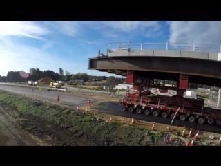 Пока водители отдыхали: За выходные над трассой А14 рядом с Кембриджем установили 2 новых моста весом 1000 тонн каждый