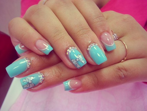 Дизайн ногтей бирюзового