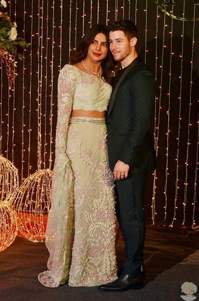 Стилист Приянки Чопры показал ее свадебный образ на новых фото с торжества