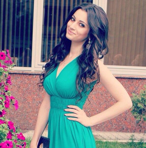 фото девушки армянки
